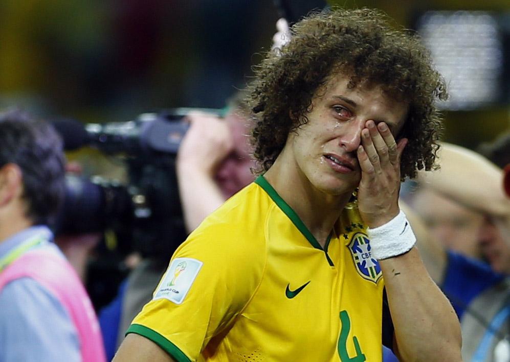 Jogador chora após perda do jogo contra Alemanha
